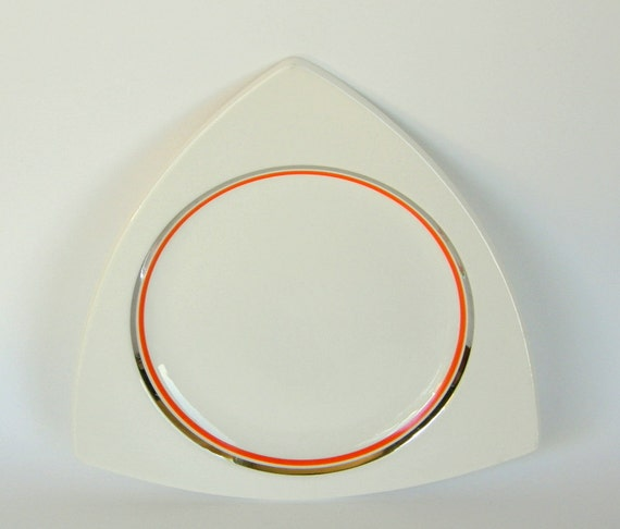 4 Atomic Art Deco Dinner Plates: Salem Tricorne Shape in Creamsicle w/ Platinum, More Available