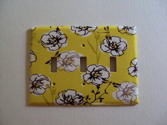 Triple Switchplate Cover Yellow White and Gray Flowers