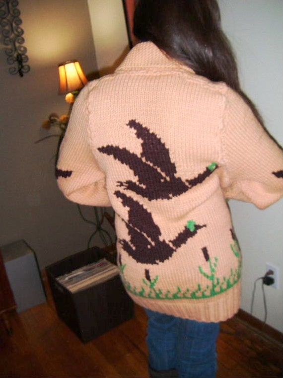 Vintage COWICHAN hand knit kitschy oversized wool cardigan sweater unisex  large XL
