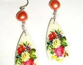 vintage floral lucite earrings