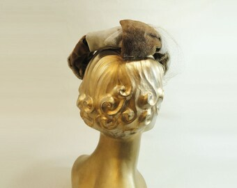 Vintage Hat Fascinator 1950s Mocha Beige Cream Hat