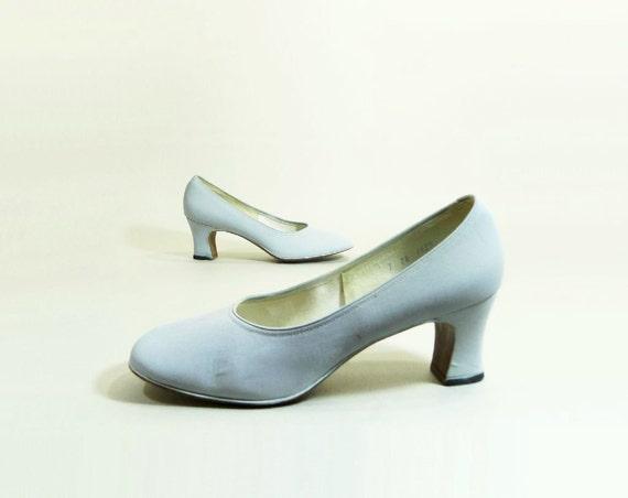 Vintage Shoes 60s Deadstock Ice Blue Bridal Wedding Shoes Chunky Heel Pump Size 7