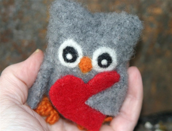 Who...Who loves you...felted wool owl (woolcrazy)