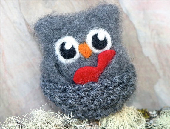 Uber soft Cash the baby Owl in nest with red heart ... dark gray cashmere eco wool felted owl (woolcrazy)
