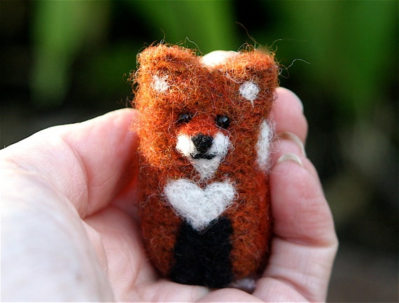 Tiny Little Red Fox white heart chest... upcycled fox needle felt wool (woolcrazy)