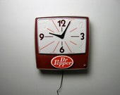vintage 60s/70s dr. pepper antique advertising LIGHT UP wall hanging clock