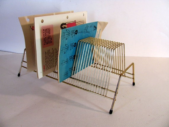 vintage wire 45 album record display    bill sorter or letter