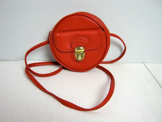 Vintage 80s small circle red purse