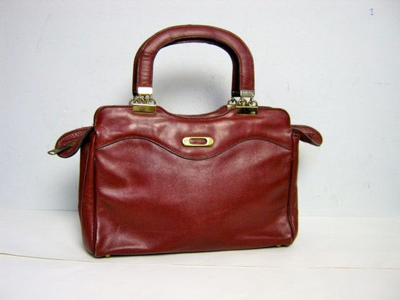 vintage 70s red leather Etienne Aigner hand purse