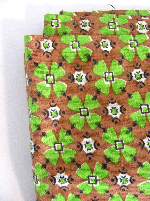 Vintage green and brown 4 leaf clover Fabric 3.8 yards