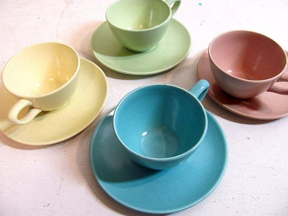 Vintage Tea Cups and Saucers Dishes - set of 4 speckeld pottery from Monterey in California