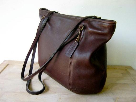 vintage supple brown COACH large shoulder baggy purse
