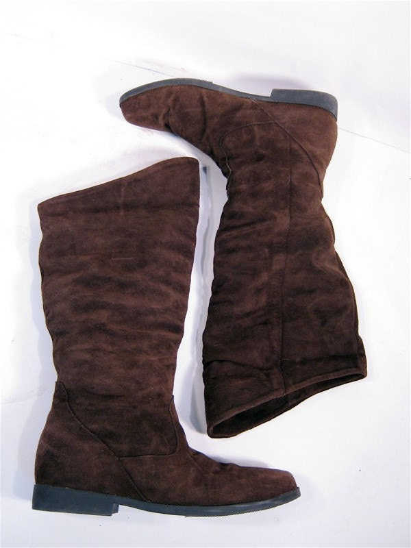 Vintage Tall Brown Suede Peter Pan Boots 9