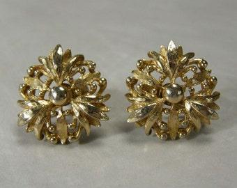 Coro Vintage 1940s Flower Blossom Screwback Earrings Gold Plated