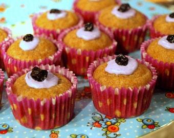 Organic Dog Treats - Blueberry Banana Pupcakes- All Natural Dog Treats Organic Vegetarian - Shorty's Gourmet Treats