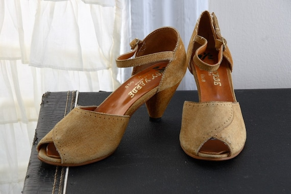 RESERVED for VANESSA 1970s Burnt Sienna Suede Peep Toe with Architectural Heels size 6.5 / 7
