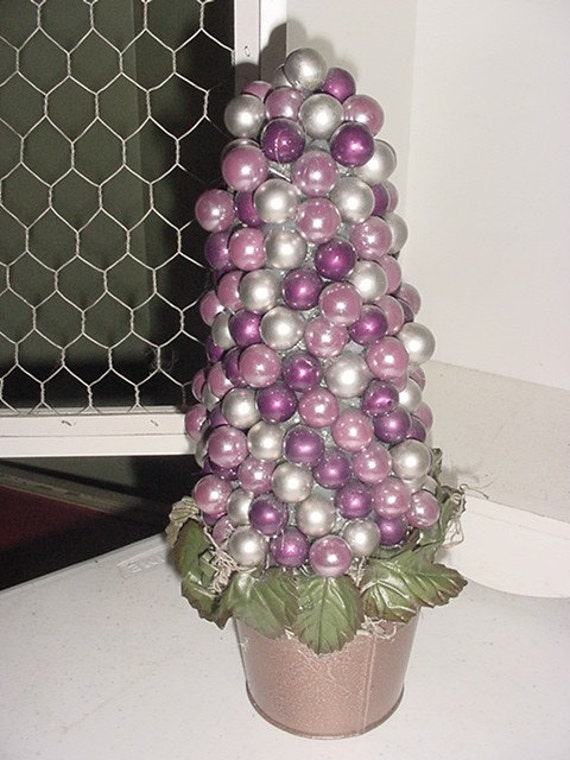 SILVER\/CRANBERRY BULB TREE CENTERPIECE