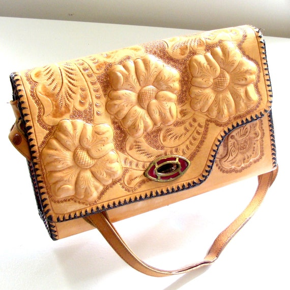 Vintage 1960 Reversible Tooled Leather Purse wtih Flowers