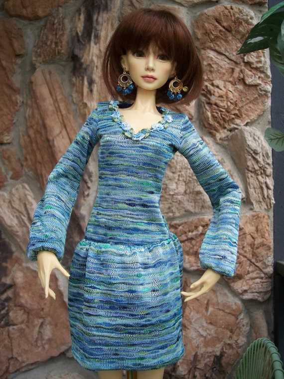 Pretty Knit Dress in Blues and Greens for Fin, Models and Similar SD 16 Girls