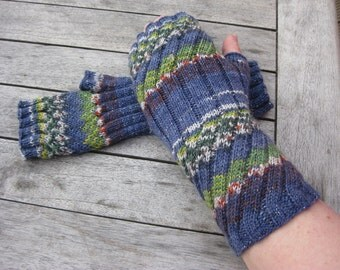PDF / Knitting Pattern. Fingerless Mittens / Fingerless Gloves / Wrist Warmers / Arm Warmers.  Instant Download