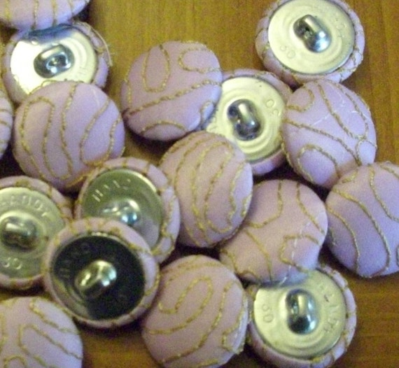 30 vintage buttons metal shank 3/4 light lilac  embroidery lot
