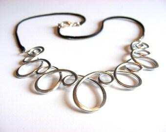 Loop de Loop Necklace - Choose your own color