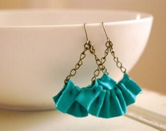 Linen ruffle earrings in seafoam green.