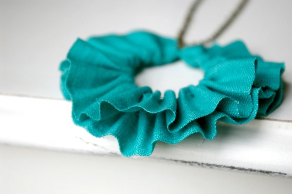 linen ruffle necklace in seafoam green. antique bronze chain.