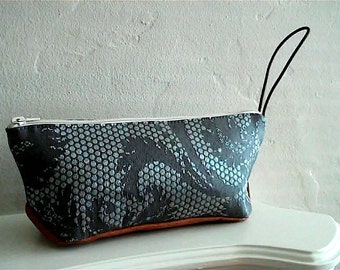 Travel Pouch in Coal