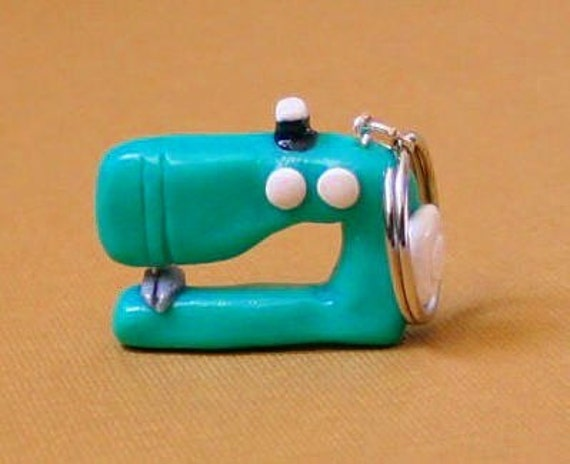World's Smallest Sewing Machine - Green