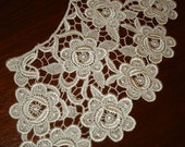 Vintage Lace Collar with Rose Design