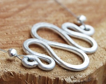 Aluminum Necklace. Minimalist. Silver. Squiggle. Wire Jewelry.