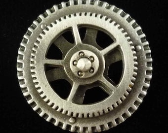 Steampunk Buttons - Spinning Steampunk Gear Button