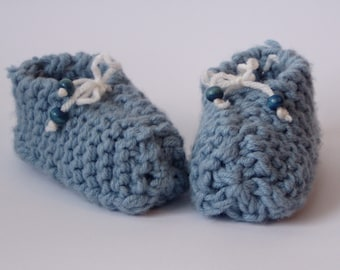 baby\/toddler slippers . . .