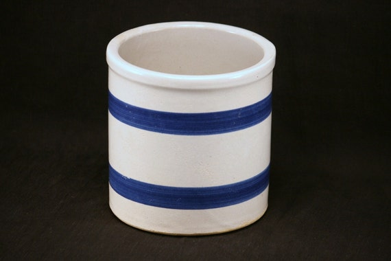 country crock . . . (RRP Co)  pottery
