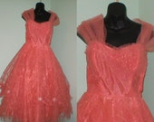 Vintge 1950s Flamingo pink embroidered tulle prom dress size 37-28-open