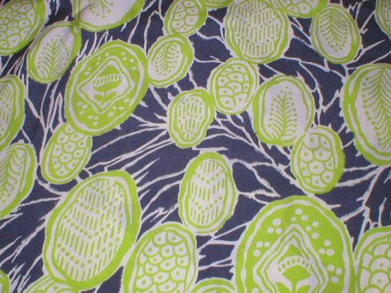 1 1/2 yards 40 wide Vintage 40s rayon print dressmaking fabric
