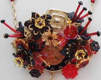 Vintage Luscious Assemblage of Red and Black Flowers Necklace K5R