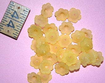 Vintage Lot of 20 Sunny Yellow Flower Bead Caps BR3