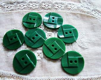 Vintage 2 Kelly Green Art Deco Carved 19mm Buttons KL5
