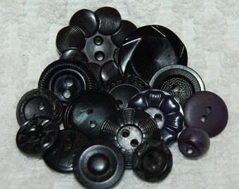 Vintage 15 Pieces Art Deco Casein and Celluoiud Black Buttons M2L