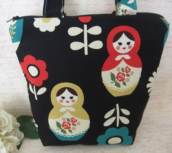 Insulated Lunch Tote / Russian Doll on Black / Zipper Bag /  lunch bag with Matryoshka