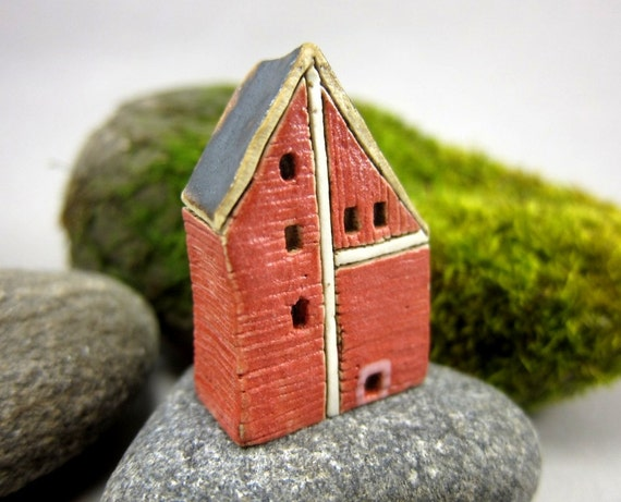 Miniature Stoneware Barn...RED