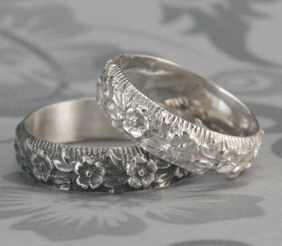 Silver Flower Ring--Rose Ring--Flower Pattern Band--Ring Around the Rosy Ring--Floral Patterned Band in Sterling Silver