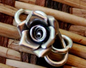 Rose clasp
