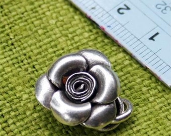 Silver rose clasp