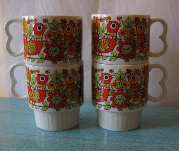 Set of 4 Mugs Folk Art Style Birds in Orange and Red