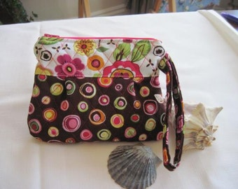 Wristlet - quilted