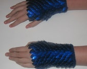 Scalemail Gauntlets Deep Blue Knitted Dragonhide Armor Choose your size