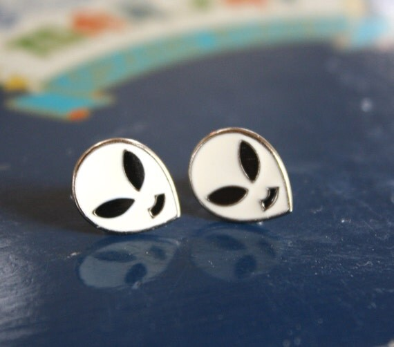 LAST PAIR- VTG 90s White Alien Head Stud Earrings